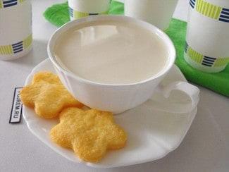 Молочный напиток с миндалем