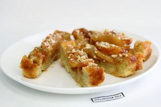 Пирог-перевертыш с грушами