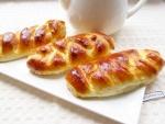 Пирожки с творогом из дрожжевого теста в духовке