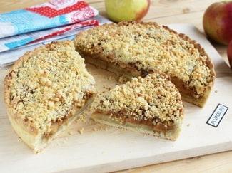 Пирог со сгущенкой и яблоками