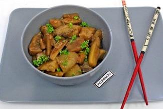 Вкусные жареные баклажаны в соевом соусе с чесноком
