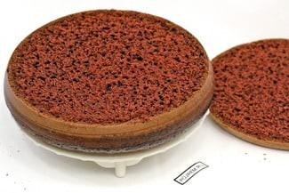 Шоколадный бисквит на кипятке в мультиварке