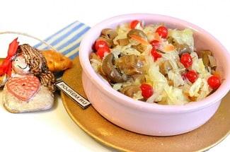 Салат из квашеной капусты