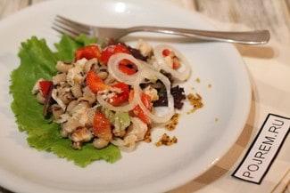 Салат с курицей и фасолью без майонеза