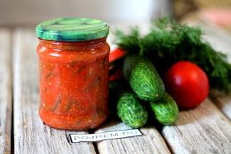 Салат из огурцов в томате на зиму