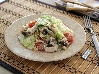 Салат из шампиньонов и куриной грудки