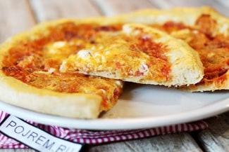Тонкое тесто для пиццы без дрожжей