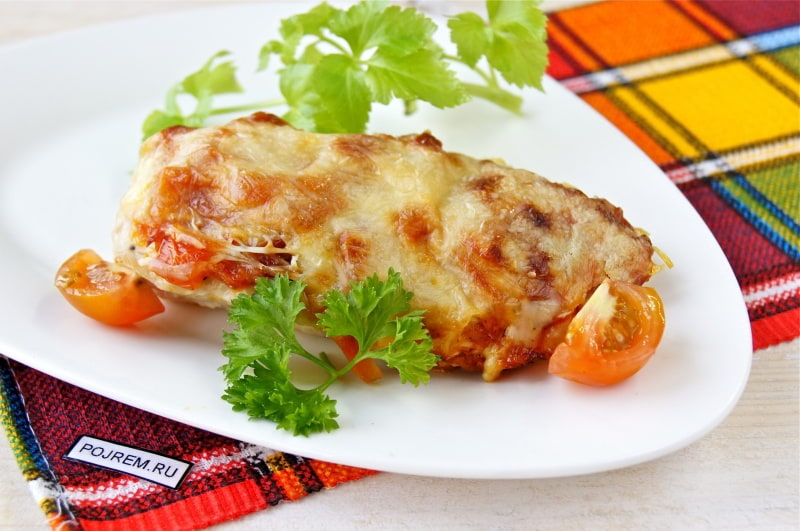 Рецепт Легкий салат из куриной грудки со стручковой фасолью   531x800