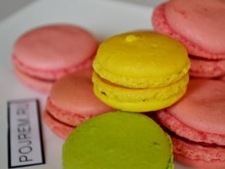 Разноцветные печенья Макаронс