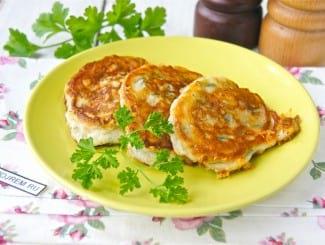 Оладьи с сыром на кефире на сковороде