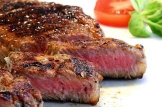 Я просто добавляю один необычный ингредиент в панировку для мяса, и оно получается невероятно сочным, с оригинальным вкусом и хрустящей корочкой
