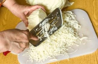 Салат из 2ух ингредиентов «Сытная капуста». Всегда съедается без остатка (такой вкусный)