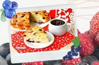 Все лето готовлю ягодный пирог и нисколько не надоедает, потому что вкусный очень и продукты все под рукой