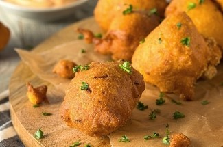 Пончики хашпаппи из кулинарных традиций коренных индейцев. Разлетаются всегда в считанные минуты