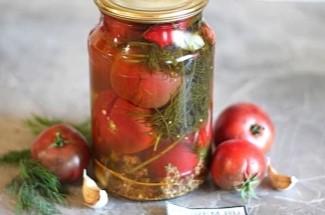 Самые вкусные помидоры на зиму на литровую банку. Даже рассола не остается