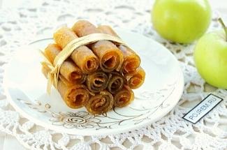 Яблоки+сахар=десерт по старинному русскому рецепту. За границей вы такой вкуснятины не найдете