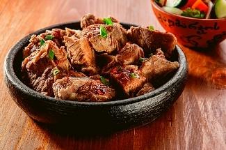 Простой рецепт мяса, чтобы накормить даже самого привередливого мужа чем-то новеньким