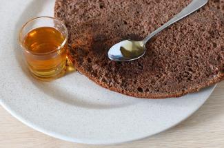 Чем пропитать бисквитные коржи, чтобы торт не вышел сухим: 9 отличных идей