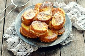 Творожные гренки на завтрак – отличное начало дня, главное, чтобы всем хватило вкуснятины