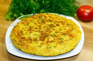 Большой драник с начинкой из плавленого сыра и зелени: часто готовлю его вместо пирога — улетает вмиг