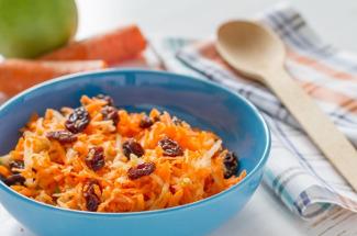 3 простых, но сытных овощных салата для тех, кто сидит на диете