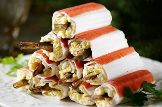 Шпроты в крабовых палочках: закуска, за которую муж готов душу продать