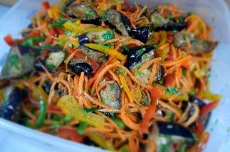 3 рецепта теплых салатов, которые подойдут, как для обычного ужина, так и для праздничного застолья