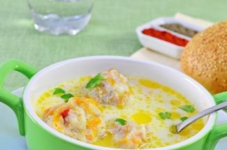 Простой сырный суп с фрикадельками, который не будет неделю стоять в холодильнике — вмиг улетит