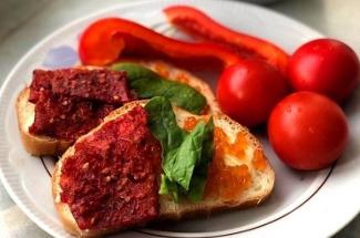 Пастила из томатов, яблок и еще 3 несложных рецепта домашнего угощения