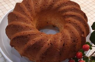 Как приготовить пышный кекс: отличная идея для тех, у кого варенье зря место в холодильнике занимает