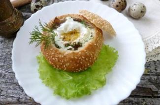 Морская капуста с яцом, спрятанные в булочке: завтрак ресторанного уровня, а готовится очень просто