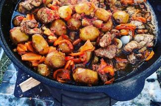 Узбекское, грузинское и армянское блюда, которые можно приготовить в казане (дома в духовке или на костре)