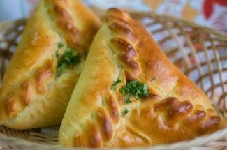 Расстегаи — старинное блюдо русской кухни. 3 классических рецепта приготовления