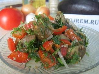 Горячий салат из баклажанов