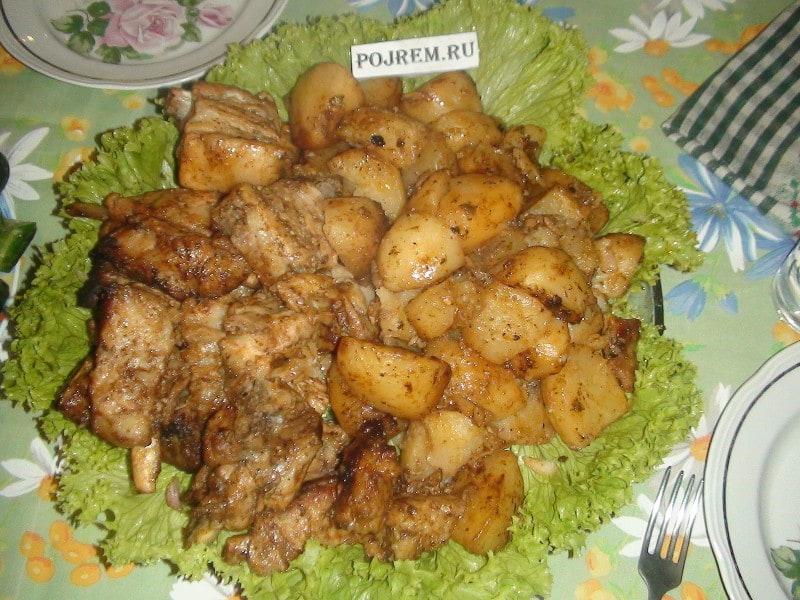 Картошка с мясом духовке рецепт пошагово