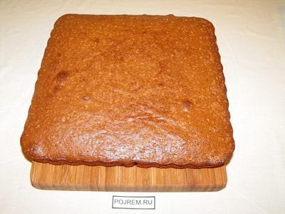 Как испечь прямоугольный бисквит