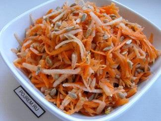 Салат из моркови, яблок и семечек
