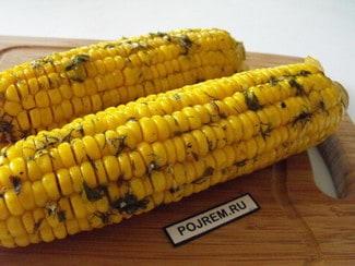Кукуруза, запеченная в духовке в фольге