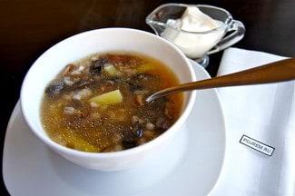 Грибной суп из сушеных и отварных грибов