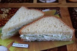 Сэндвич с огурцом и яйцом