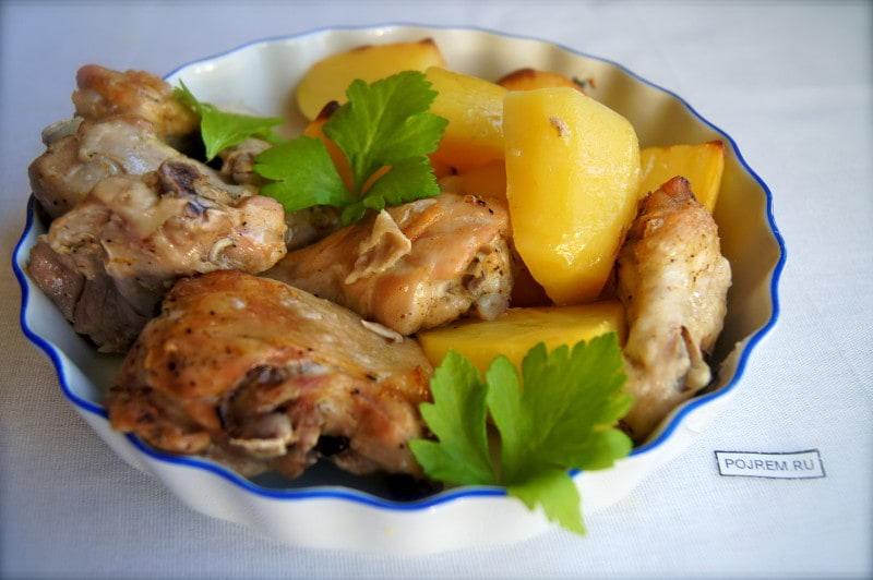 цыпленок с картошкой, запеченные в рукаве