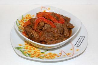 Мясо в томатном соусе