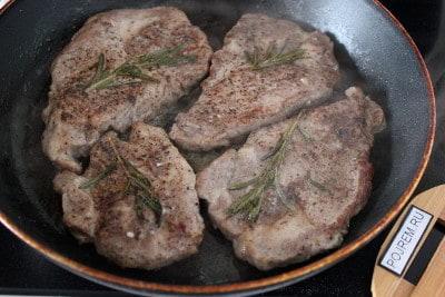 стейк свиной на сковороде рецепт с фото пошагово в домашних условиях