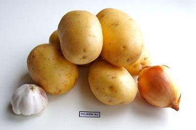 Картофель по деревенски на сковороде