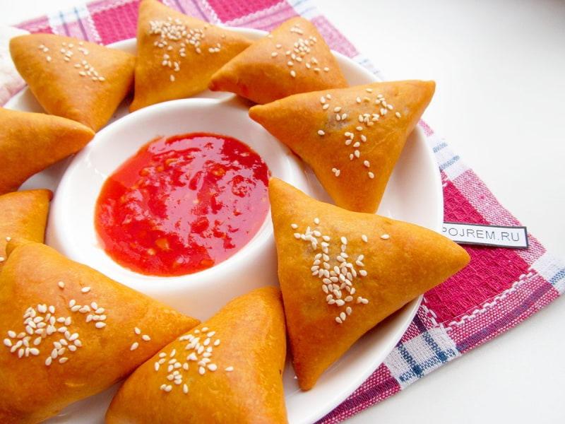 пирожки на томатном соке, с мясом и капустой