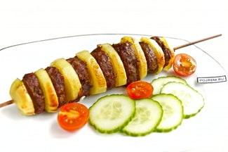 Картофель с мясом на шпажках