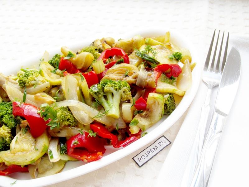 Салат из жареных овощей
