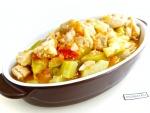 Тушеная курица с овощами