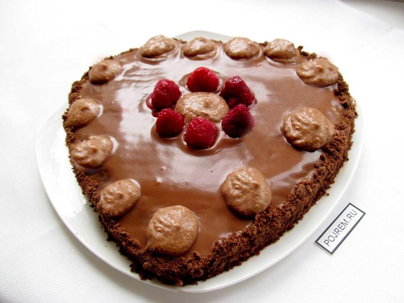 торт с изюмом