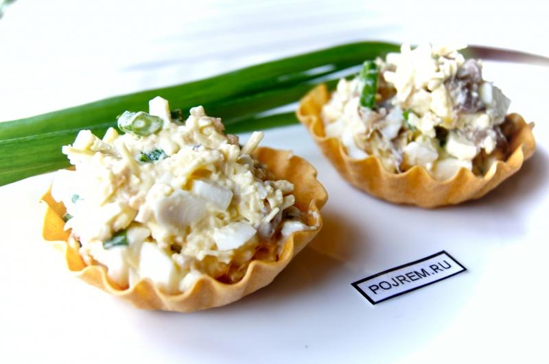 интересный и простой рецепт из рыбы салат